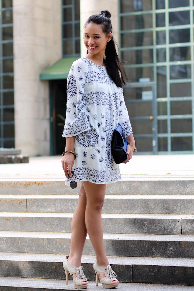 boho-dress-look-blue-white-zara-kleid-blau-weiss-modeblog-fashionblog-munich-muenchen-style-look-dianabuenger-summerlook-sommerlook-outfit-mango-2