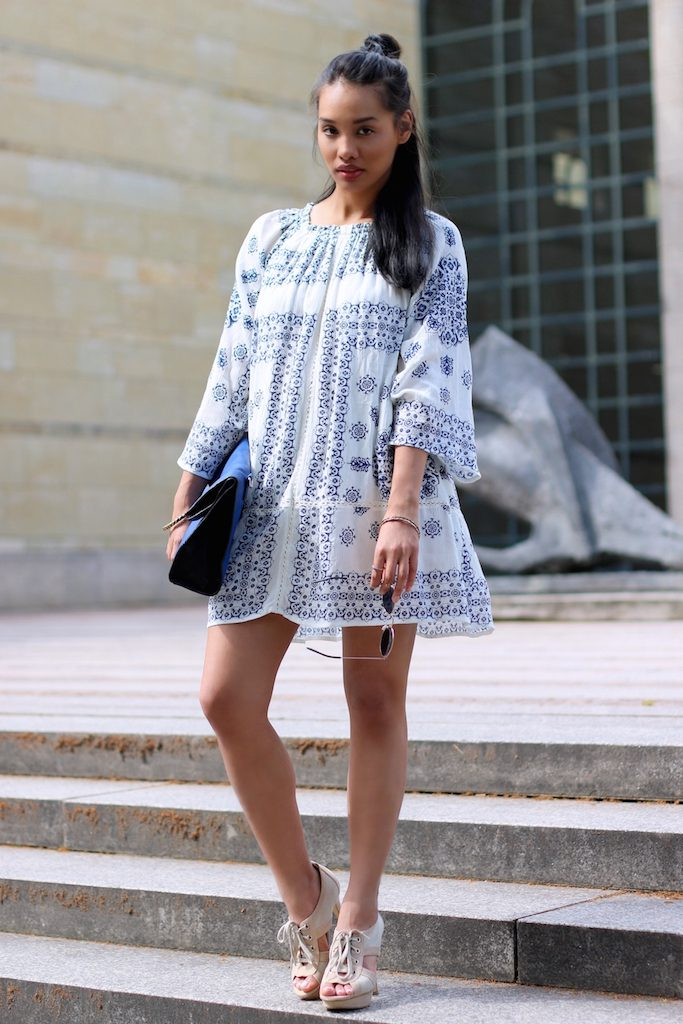 boho-dress-look-blue-white-zara-kleid-blau-weiss-modeblog-fashionblog-munich-muenchen-style-look-dianabuenger-summerlook-sommerlook-outfit-mango-3