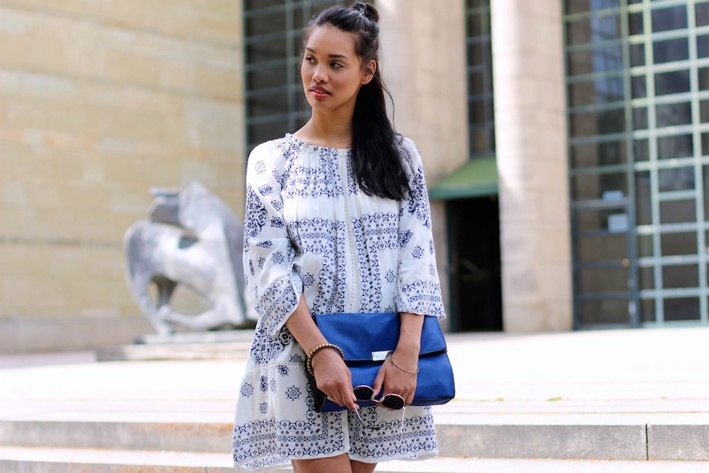 boho-dress-look-blue-white-zara-kleid-blau-weiss-modeblog-fashionblog-munich-muenchen-style-look-dianabuenger-summerlook-sommerlook-outfit-mango-6