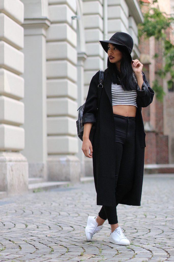 fashionblog-modeblog-adidas-stansmith-white-weiss-allinblack-schwarz-edited-topshop-vangraaf-mcm-streifen-rucksack-7