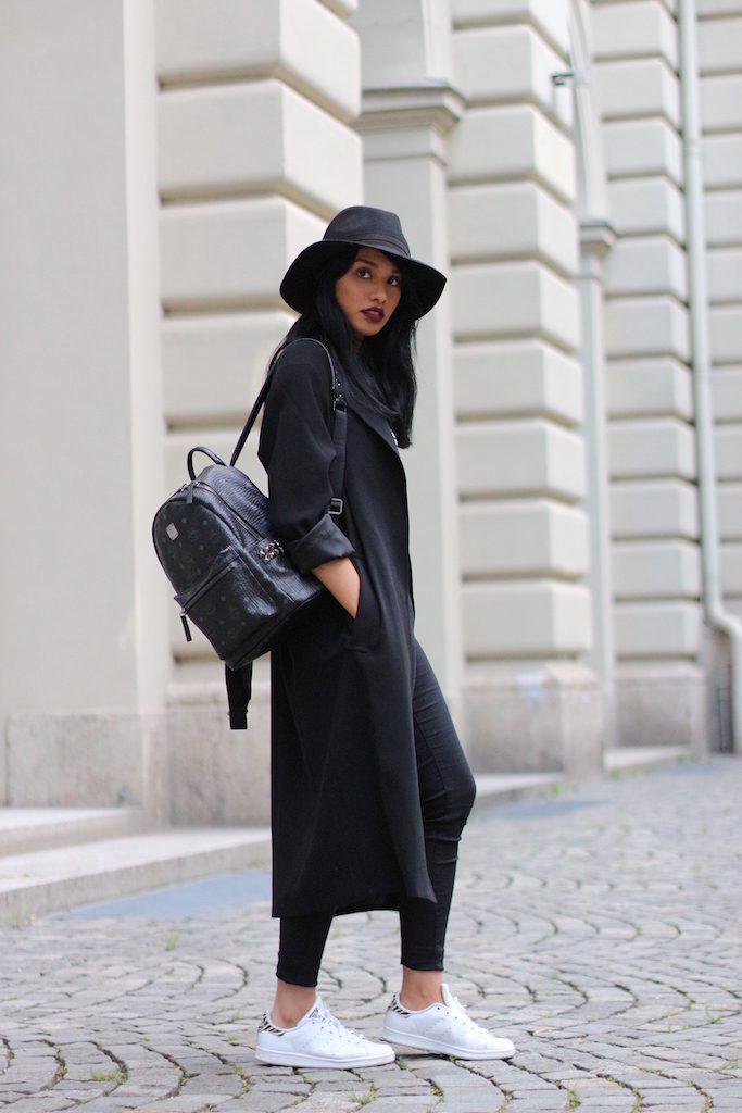 fashionblog-modeblog-adidas-stansmith-white-weiss-allinblack-schwarz-edited-topshop-vangraaf-mcm-streifen-rucksack-9