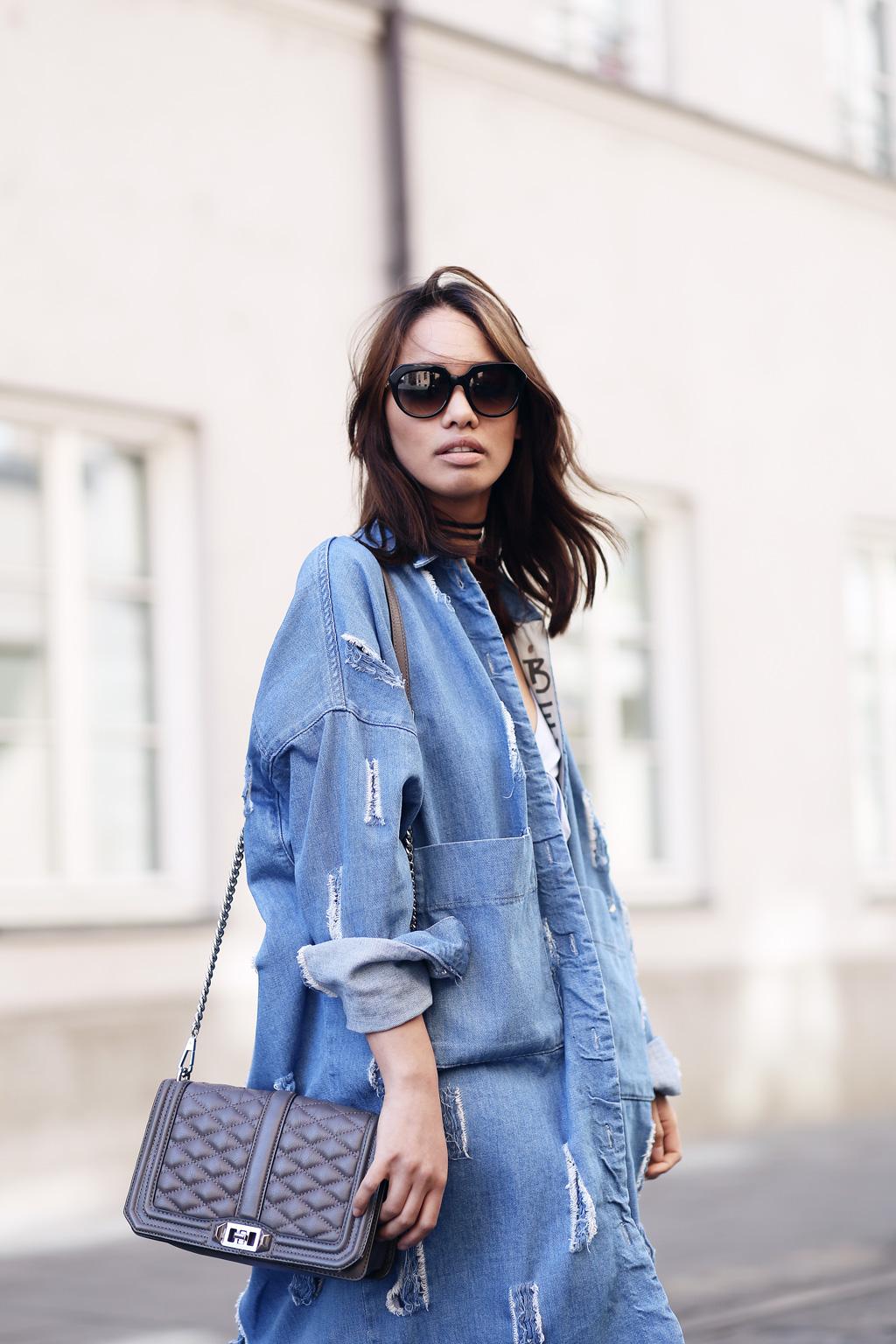 cutoutdress_zara_denim_jeans_mantel_blusen_kleid_white_blue_muenchen_modeblogger_styleblogger_fashionblogger_fashionblog_munich_thefashionanarchy_1