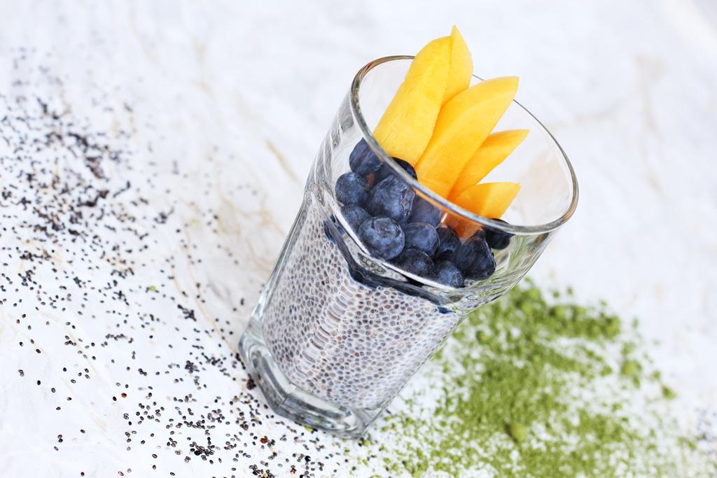 thefashionanarchy_foodblog_superfood_gesundheit_chia_pudding_samen_mango_blauberren_rezept_modeblog_styleblog_lifestyleblog_muenchen_munich_matcha_02