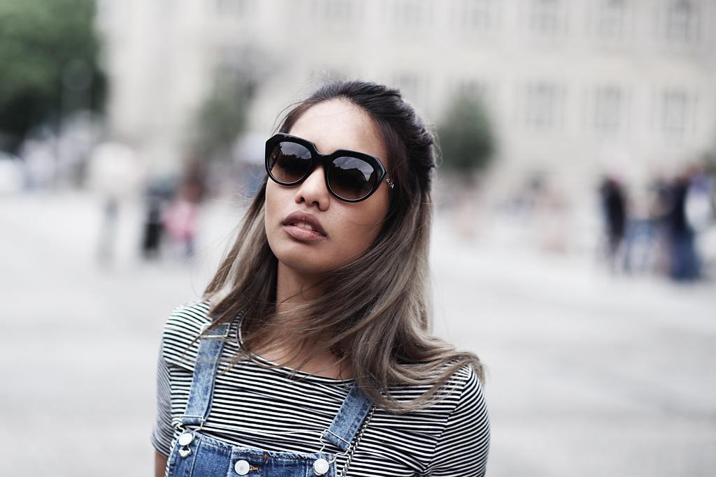 thefashionanarchy_blogger_fashionblog_modeblog_styleblog_lifestyleblog_outfit_look_inspiration_denim_latzkleid_jeans_munich_muenchen_streifen_croptop_1