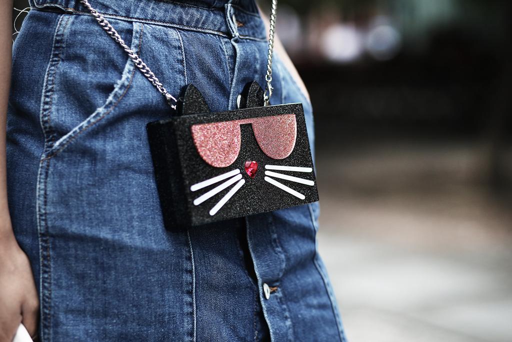 thefashionanarchy_blogger_fashionblog_modeblog_styleblog_lifestyleblog_outfit_look_inspiration_denim_latzkleid_jeans_munich_muenchen_streifen_croptop_6