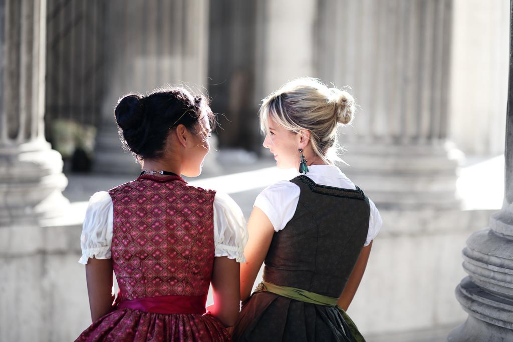 thefashionanarchy_blogger_fashionblog_modeblog_styleblog_wiesn_outfit_oktoberfest_dirndl_couture_trachten_munich_muenchen_spitze_biancaharris_5
