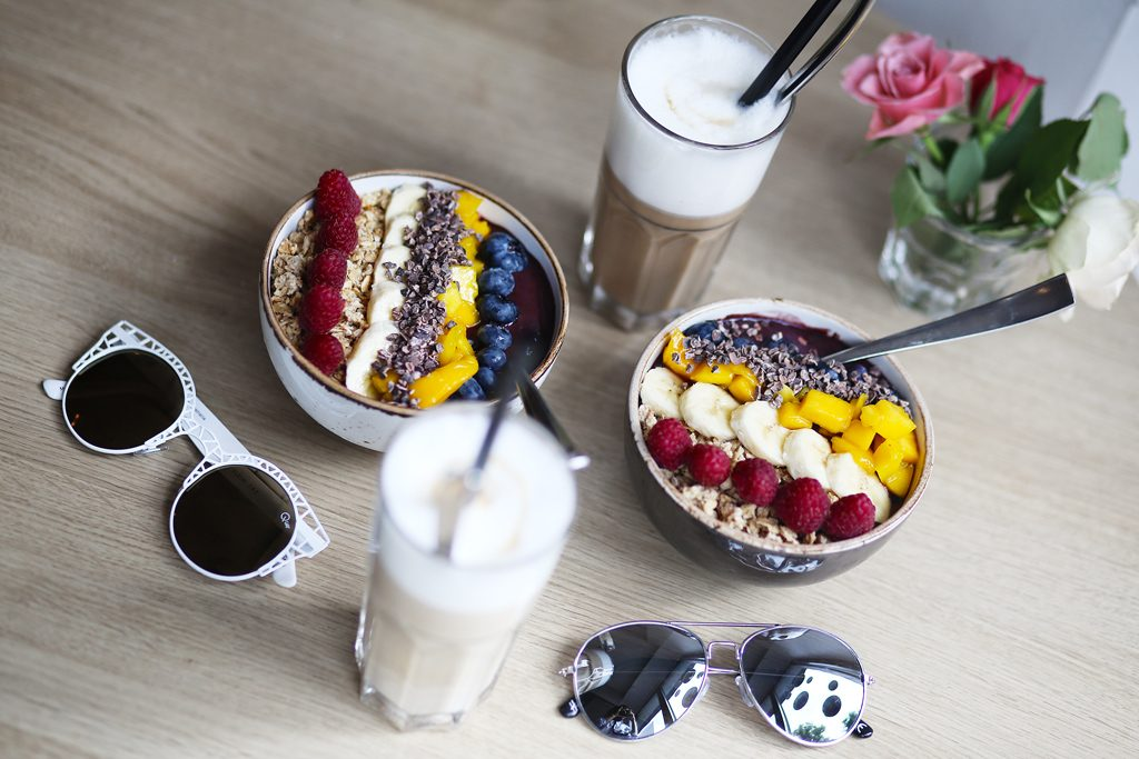thefashionanarchy_blogger_fashionblog_acaibowl_fruitbowl_superfood_munich_muenchen_lifeytleblog_monatsruecklick_september_1