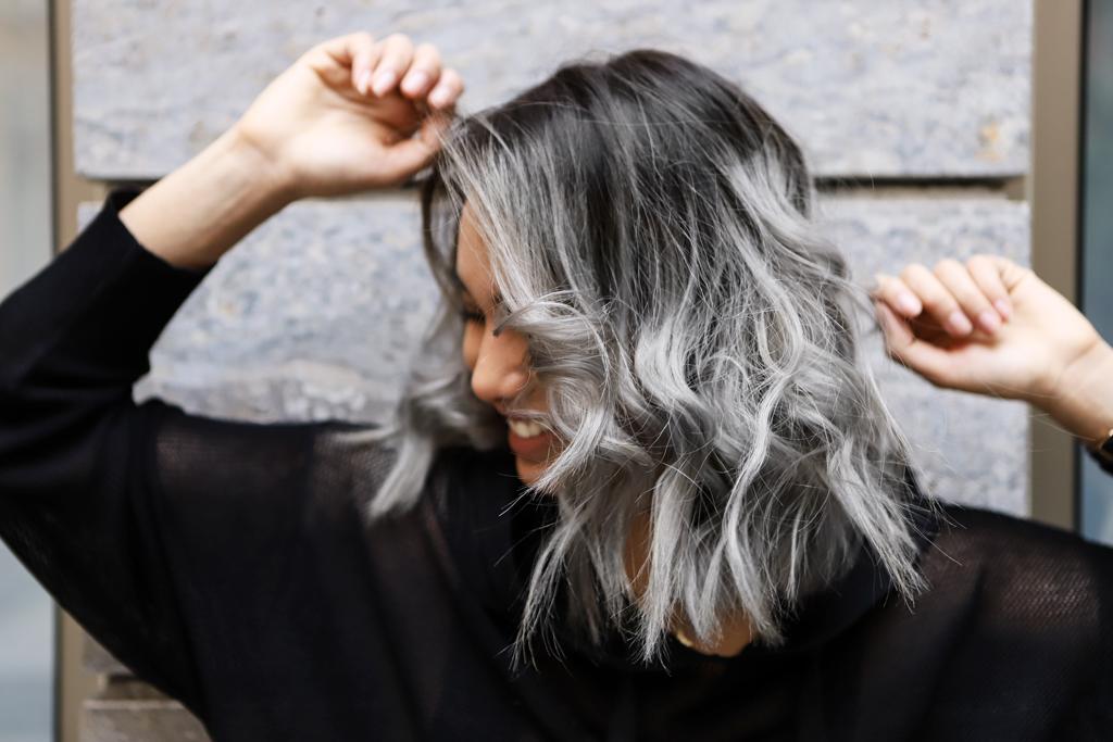 Grau haare blond Grau Blonde